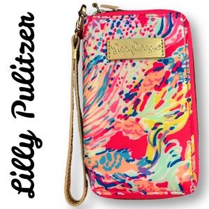 Lilly Pulitzer wristlet/phone case